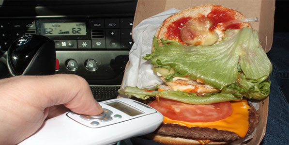Saliva-Scanner-un-gadget-para-detectar-saliva-o-fluidos-en-tu-comida-2
